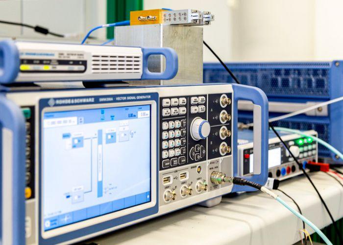 Rohde & Schwarz forscht gemeinsam mit den Fraunhofer-Instituten HHI und IAF an 6G im THz Frequenzbereich