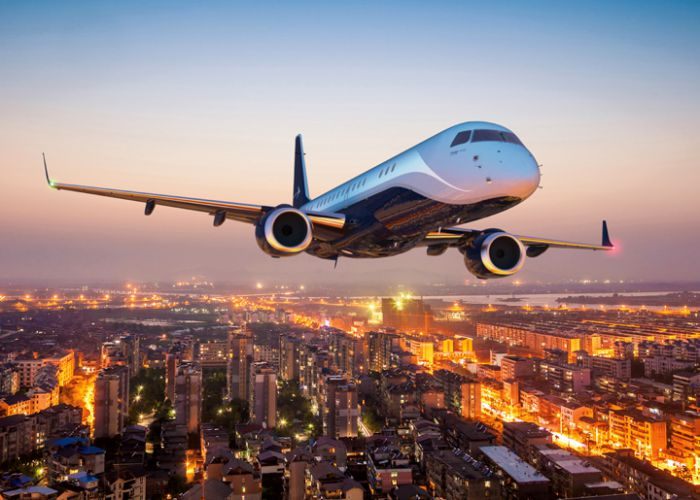 RUAG International optimiert Inspektion einer Embraer Lineage mit ADS B Out Upgrade und Außenlackierung