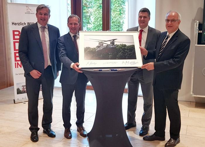 Boeing, Honeywell und Rolls-Royce Deutschland geben Partnerschaft zur Instandhaltung von H-47 Chinook-Triebwerken bekannt