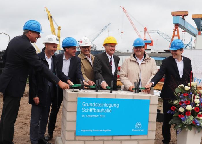 Grundstein für Schiffbauhalle gelegt